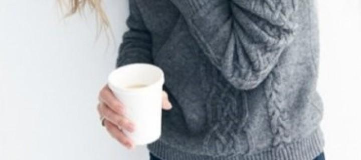 Várakozás, olcsó kávéval