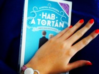 A boldogító igen, avagy mégsem – ajánló Cynhthia Ellingsen Hab a tortán című regényéről