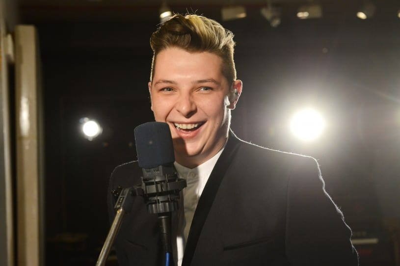 http://buzzworthy.mtv.com/2014/01/09/john-newman-tribute-jimmy-fallon-performance-photos-video/