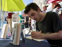 """""""Kicsit olyan, mint amikor először van az ember a backstage-ben"""" – interjú Dékány Dáviddal a Könyvhétről"""