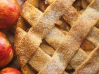 Almás pitébe sütött emlékeim – recepttel