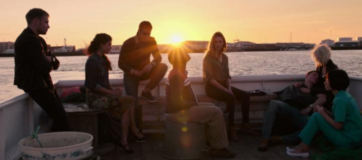 Skizofrének vagy a fejlődés zálogai?  – ajánló a Sense8 sorozatról
