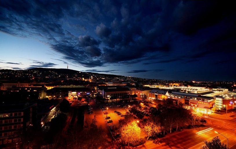 Kép: http://www.szeretlekmagyarorszag.hu/pecsi-ejszaka/