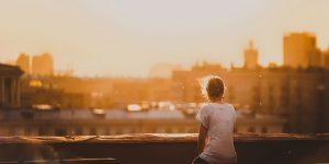 """""""Az írásnál nagyobb önismereti tréning nem is létezik"""" – interjú Nemesfalvy Rékával"""