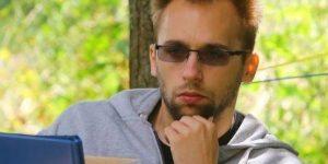 Az írói hazárdírozás mestere – interjú Kiss Mártonnal