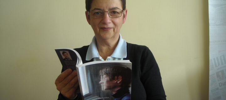 """""""Szeretnék példát mutatni, hogy a nehézségek ellenére lehet, sőt kell is mindennek a pozitív oldalát látni"""" – interjú Tóth Zsuzsannával"""