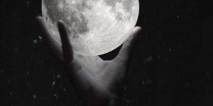 Belányi József: Jártam a Holdon című verseskötete a teleszkópom alatt
