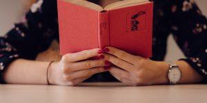 A teremtés ereje – Ajánló Cornelie C.G. írónőről
