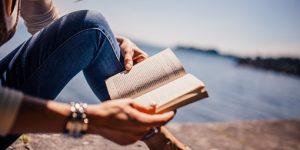 Öt könyv, amelyek izgalmasabbá tehetik a nyaralást